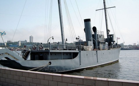 """Das Gedenkschiff """"Der Rote Wimpel"""""""